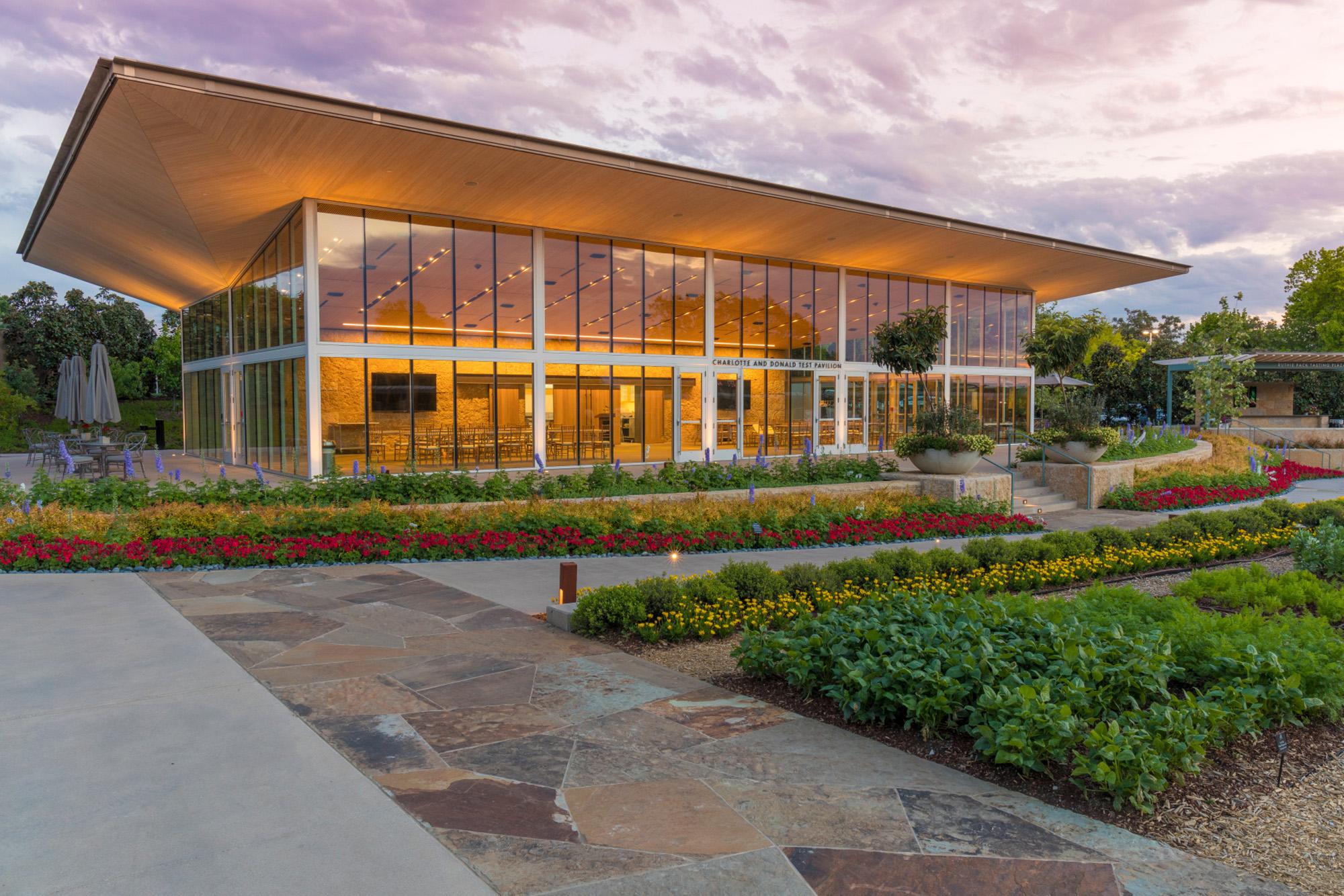 Dallas Arboretum, A Tasteful Place